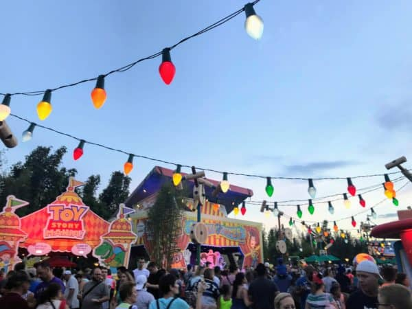 Toy Story Land crowds