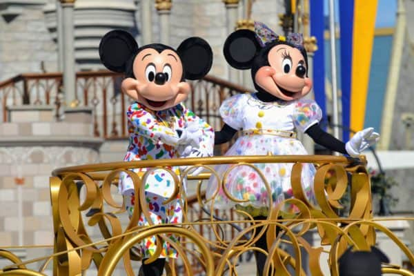 Mickey and Minnie Move it Shake it Mousekedance it