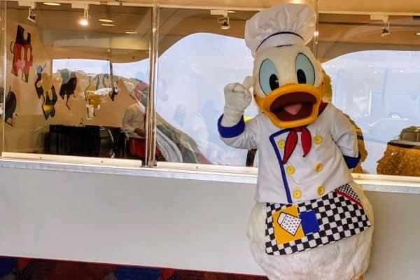 Donald Duck chef Mickey's