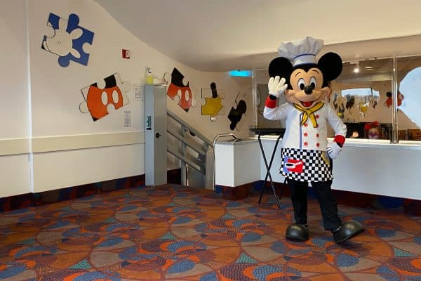 Mickey Mouse at Chef Mickey's