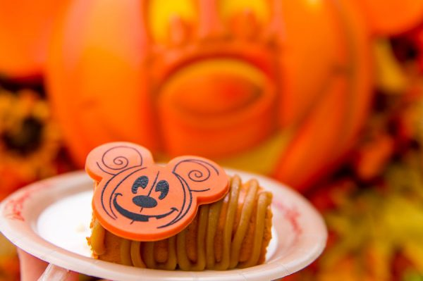 pumpkincheesecake 600x399 - 2018 Mickey's Not-So-Scary Halloween Party has begun! Here are the details.