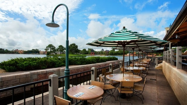 Epcot Dining - Rose and Crown Pub and Dining (lunch)
