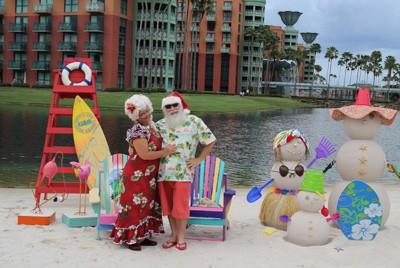 Santa and Mrs. Claus at Swan and Dolphin