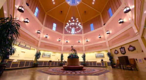 Saratoga Springs lobby