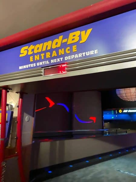 soarin stand by entrance at epcot