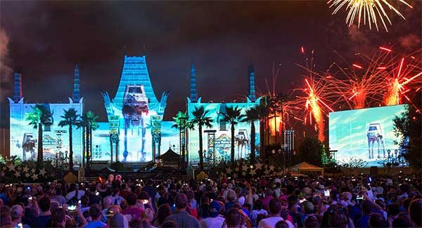 starwarsgalactic 1 600x325 - Best restaurants at Disney World for fireworks viewing