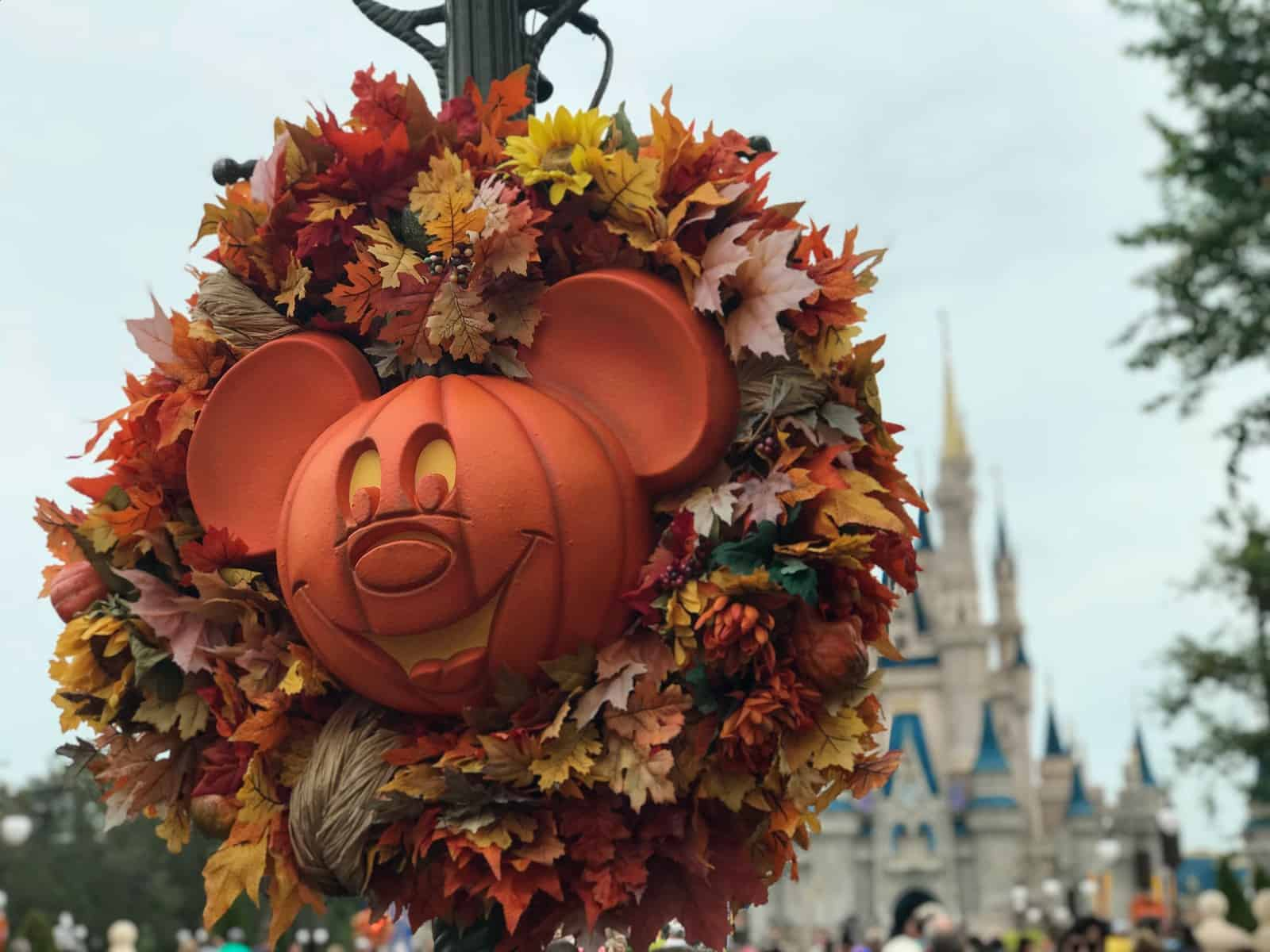 Mickeys Not-So-Scary Halloween Party decorations