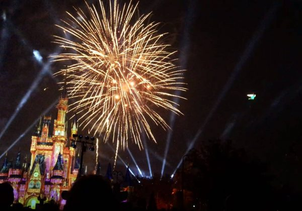 tomorrowland terrace tink 600x420 - Is the Fireworks Dessert Party at Tomorrowland Terrace worth the price?
