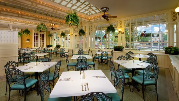 Pros and Cons for All Magic Kingdom Restaurants - Tony's Town Square (lunch)