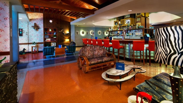 Hollywood Studios Dining - Tune-In Lounge