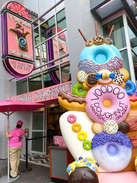 voodoo doughnut at citywalk