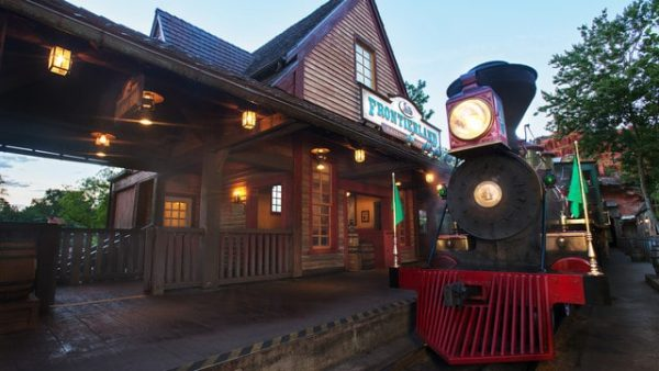 wdwrailroad frontierland 600x338 - Complete guide to Magic Kingdom rides and attractions