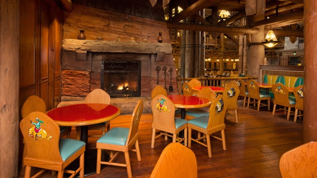 Boulder Ridge Villas (formerly Villas at Wilderness Lodge) - Whispering Canyon Cafe (lunch)