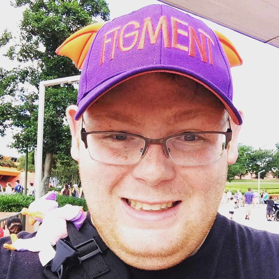 zachfigment - Pros and cons of taking a solo trip to Disney World